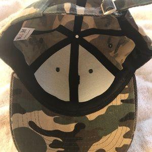 cameo hat